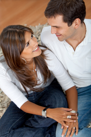 Five Tips: Avoid Letting Financial Issues Ruin Your Relationship